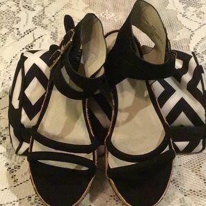 Sz.10W Eloquii Double Strap Platform Sandals